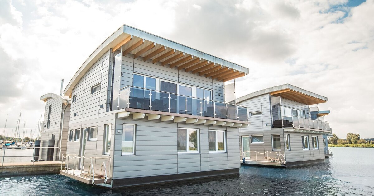 Floating Homes cover image